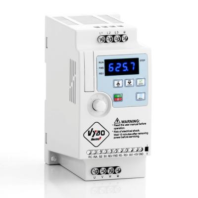 frekvenčný menič 0,4 kW A550 v1